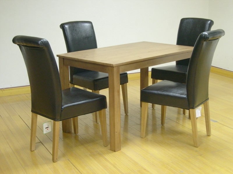 Woodgate Table & 4 Chairs