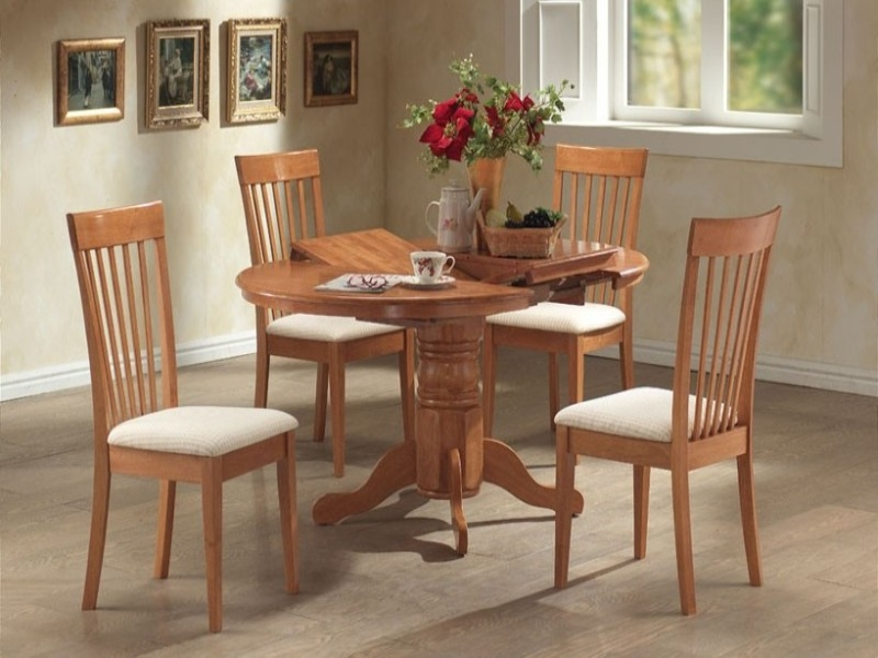 Leicester Extending Table & 4 Chairs