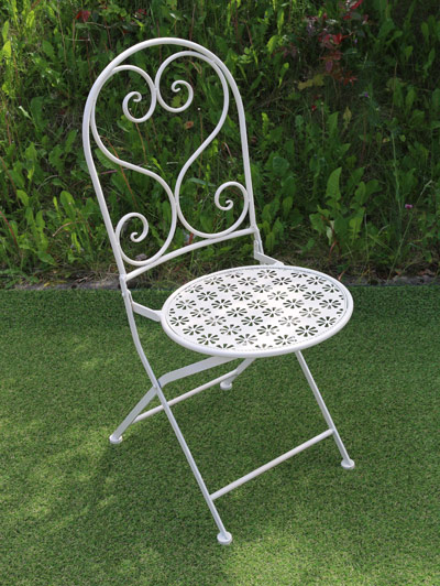 White Metal Flower Pattern Table & 2 Chairs - Click Image to Close
