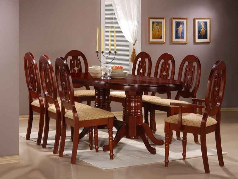Moscow Table & 6 Chairs + 2 Carvers