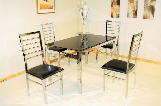 Eton Table & 4 Chairs