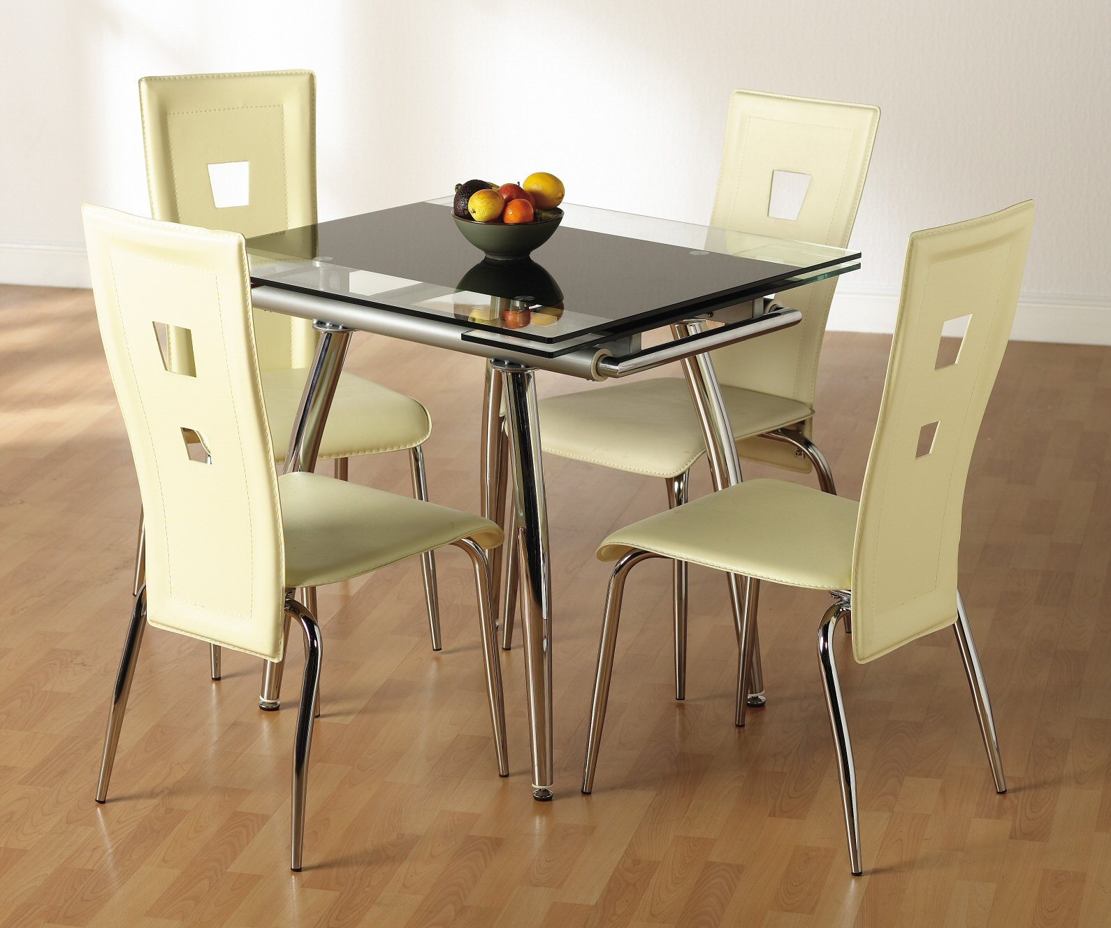 Chantily Extending Table & 4 Chairs