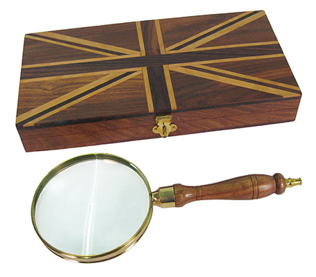 Magnifying Glass With Union Jack Box