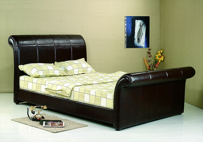 "Vermont Black or Brown Leather 4'6"" Bedstead From"